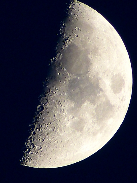 moon-surface-3
