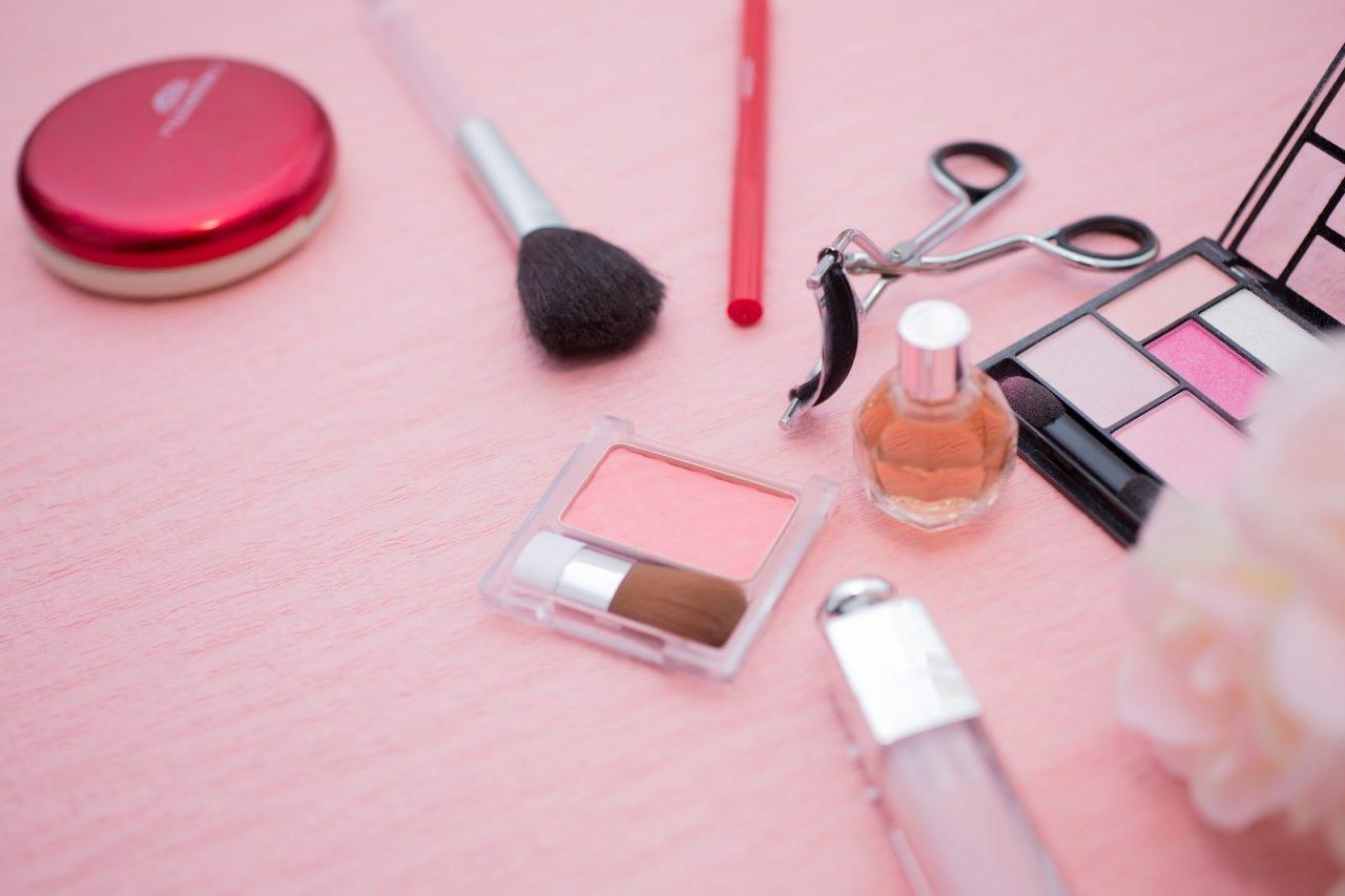 halloween-makeup-tool-1