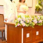 結婚式の招待状、手渡しはOK?渡し方やマナー、タイミングは?