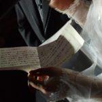 結婚式での両親へのプレゼント、人気のもの10選!定番から最新まで